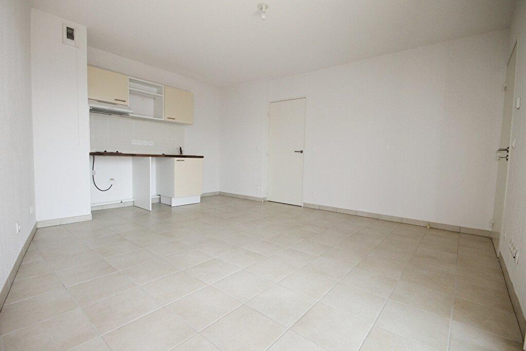 Appartement à louer 2 36.65m2 à Cannes vignette-3