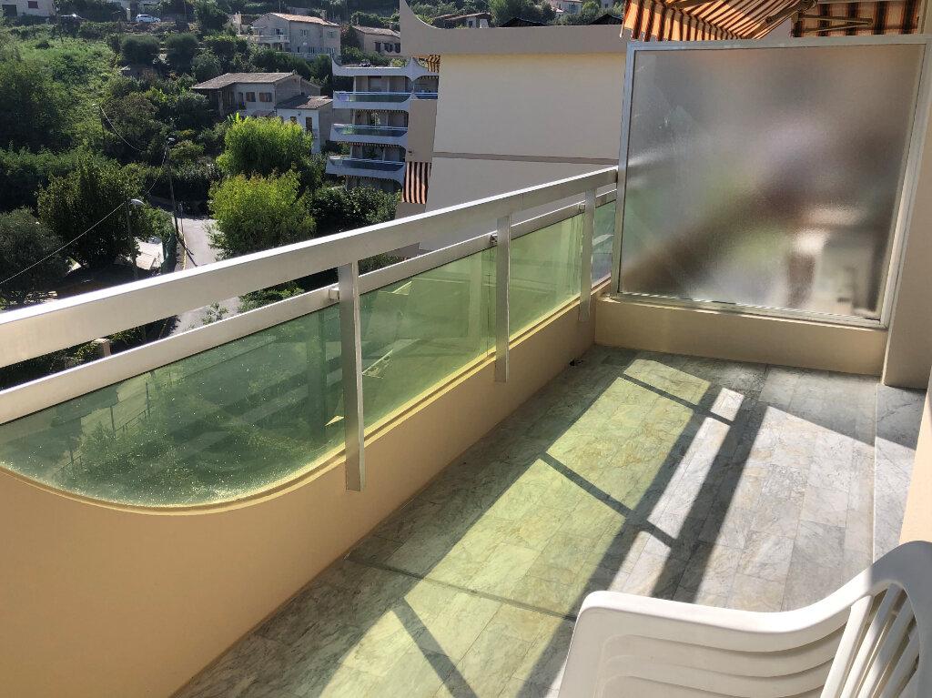 Appartement à louer 1 26.39m2 à Cannes vignette-1