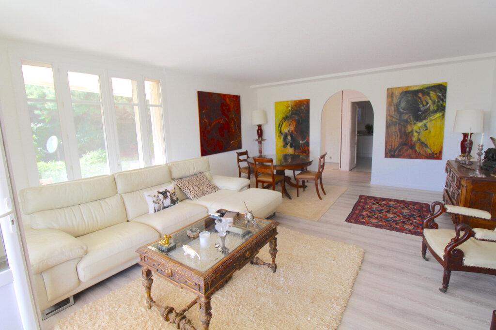 Appartement à vendre 4 132m2 à Cannes vignette-4
