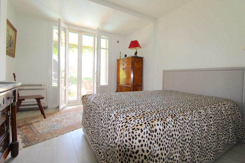 Appartement à vendre 4 132m2 à Cannes vignette-7