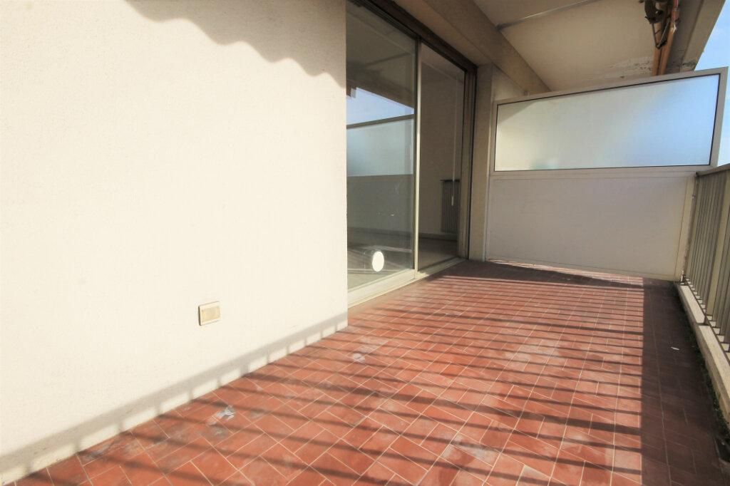 Appartement à louer 1 27.51m2 à Cannes vignette-4
