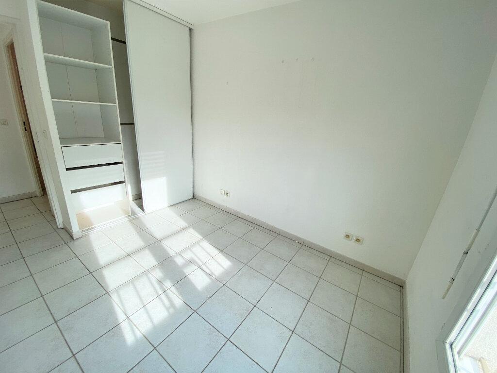 Appartement à louer 3 56.46m2 à Cannes vignette-3