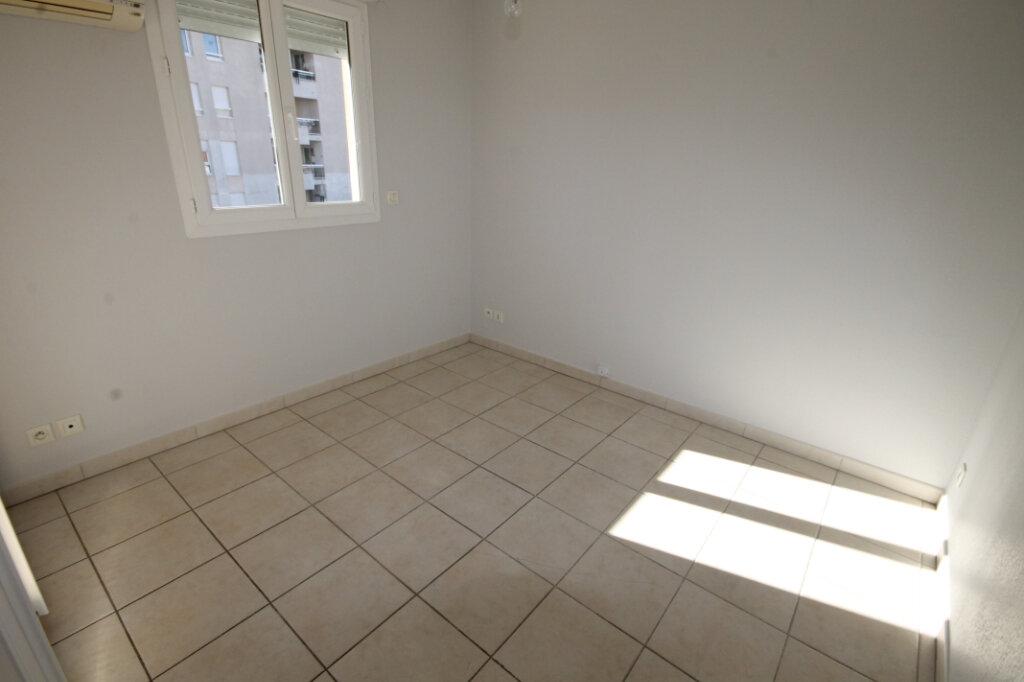 Appartement à louer 2 38.14m2 à Cannes vignette-4