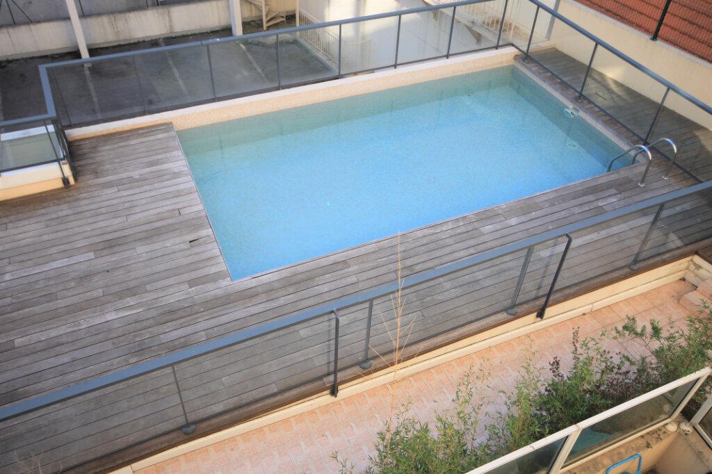 Appartement à louer 2 38.14m2 à Cannes vignette-6
