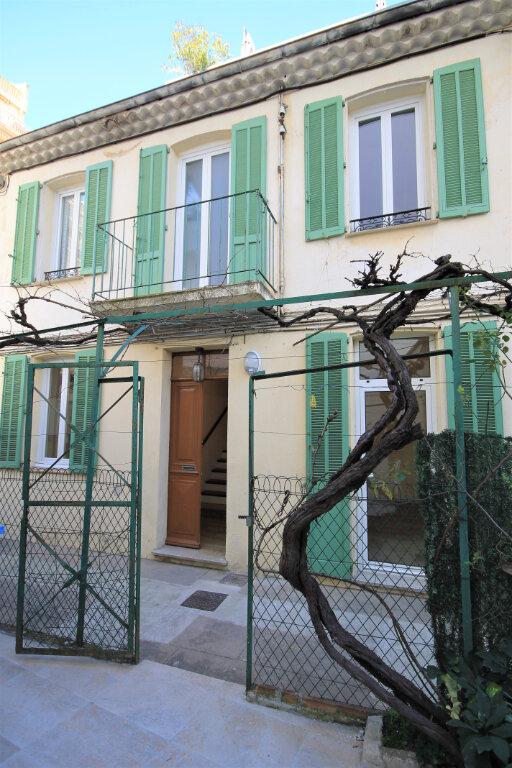 Appartement à louer 3 63.92m2 à Cannes vignette-1