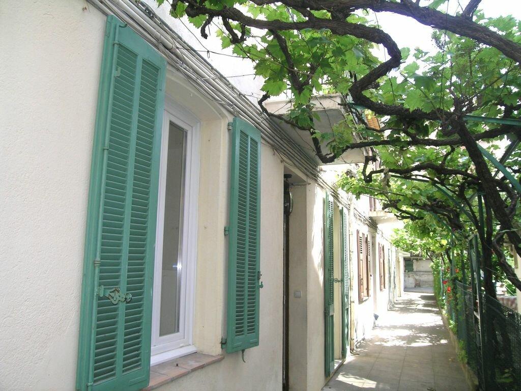 Appartement à louer 3 63.92m2 à Cannes vignette-2