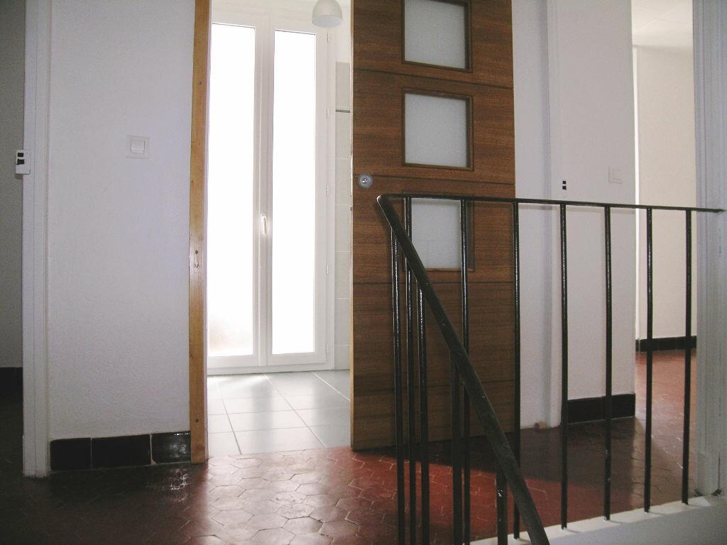 Appartement à louer 3 63.92m2 à Cannes vignette-7