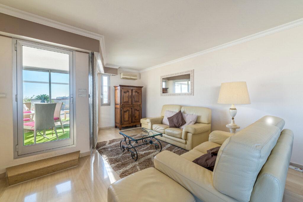 Appartement à vendre 4 98.13m2 à Cannes vignette-4