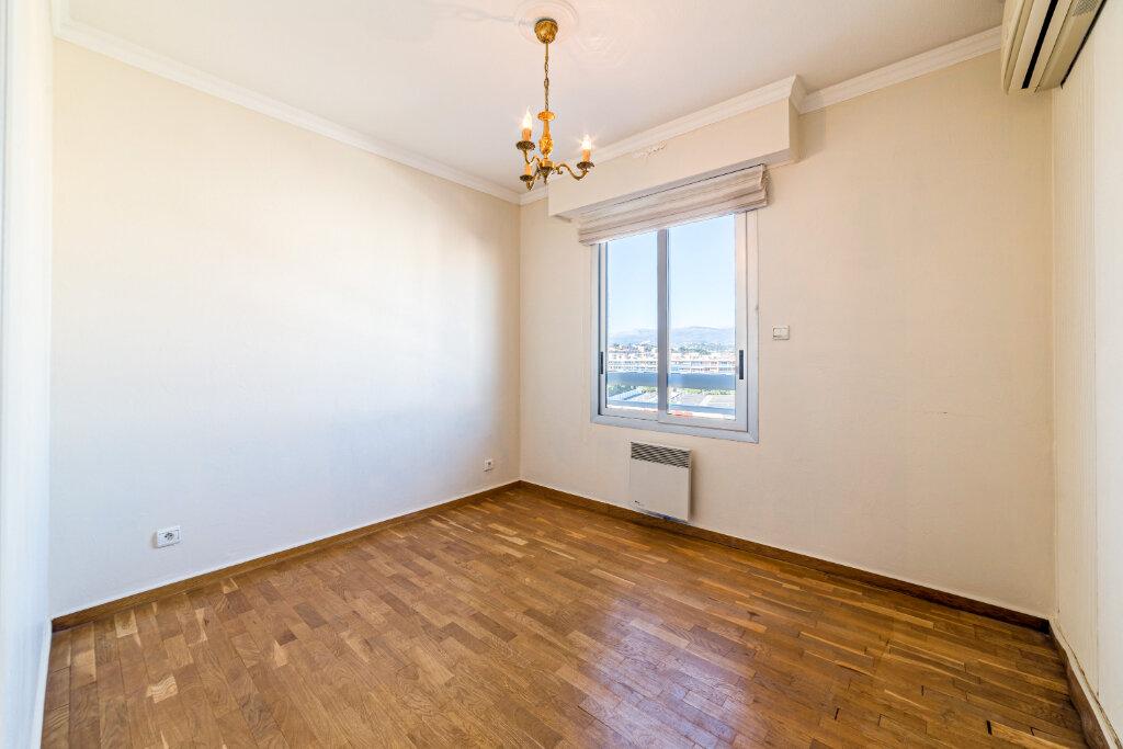 Appartement à vendre 4 98.13m2 à Cannes vignette-8