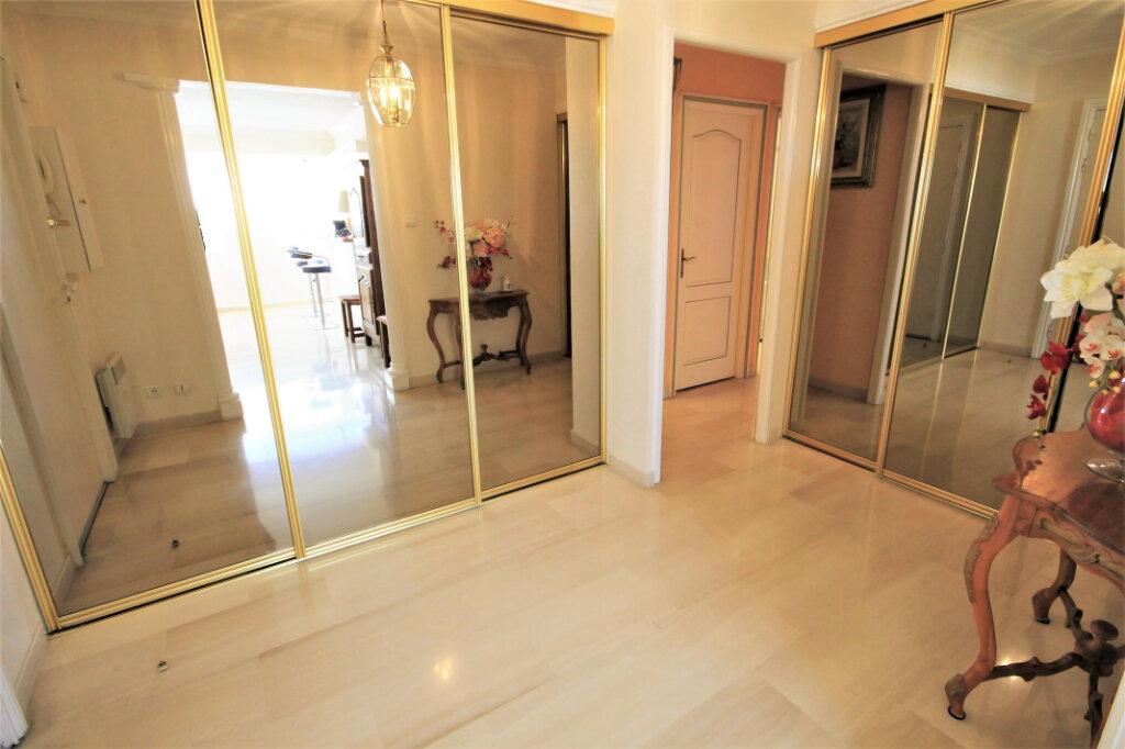 Appartement à vendre 4 98.13m2 à Cannes vignette-12