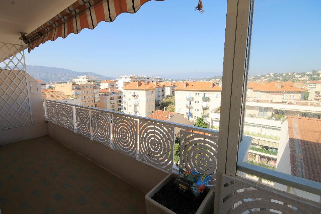 Appartement à louer 2 58.33m2 à Cannes vignette-7