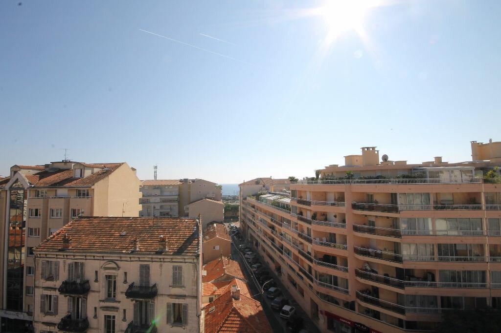 Appartement à louer 2 58.33m2 à Cannes vignette-8