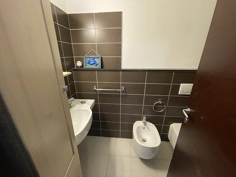 Appartement à louer 2 37.98m2 à Antibes vignette-6