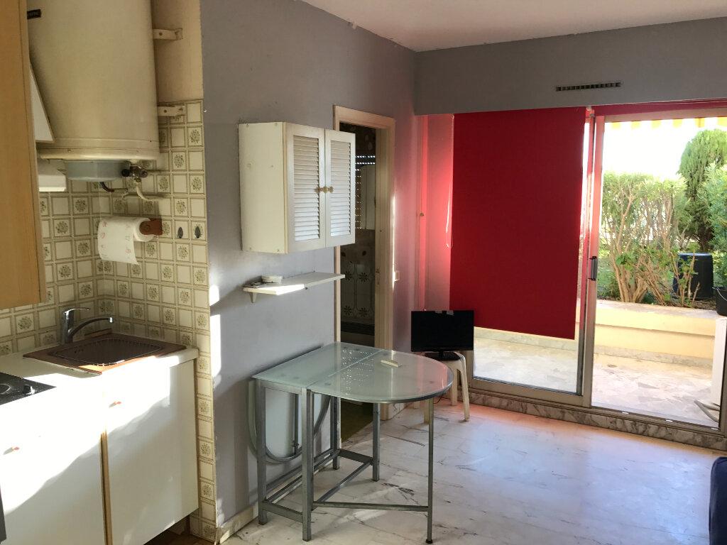 Appartement à louer 1 20.01m2 à Antibes vignette-9