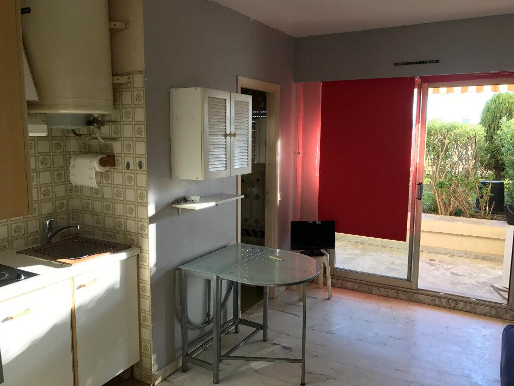 Appartement à louer 1 20.01m2 à Antibes vignette-10