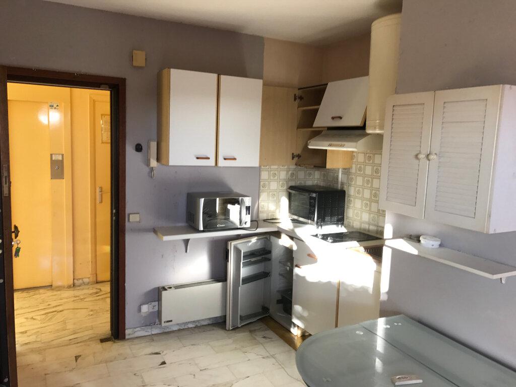Appartement à louer 1 20.01m2 à Antibes vignette-12