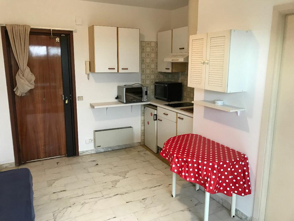 Appartement à louer 1 20.01m2 à Antibes vignette-13