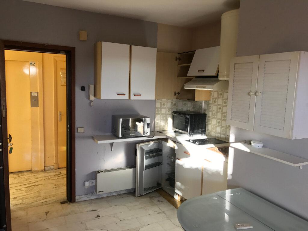 Appartement à louer 1 20.01m2 à Antibes vignette-14
