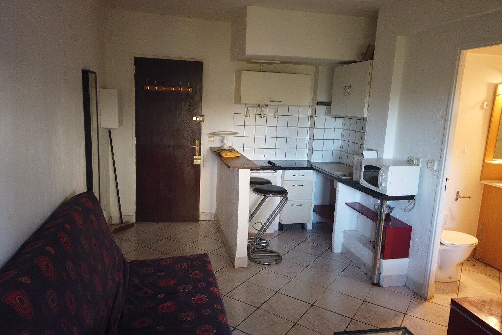 Appartement à louer 1 21.68m2 à Antibes vignette-6
