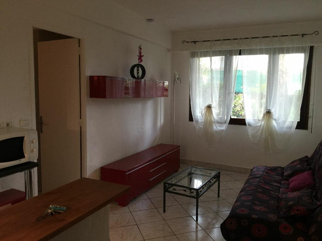Appartement à louer 1 21.68m2 à Antibes vignette-8