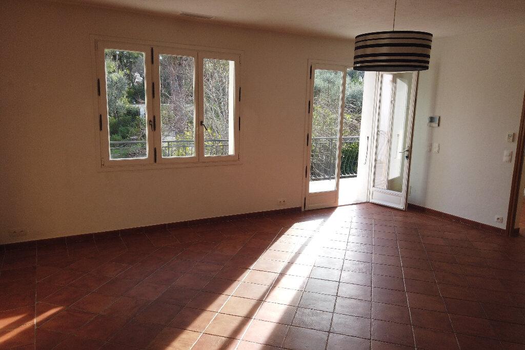 Appartement à louer 3 72m2 à Le Rouret vignette-17