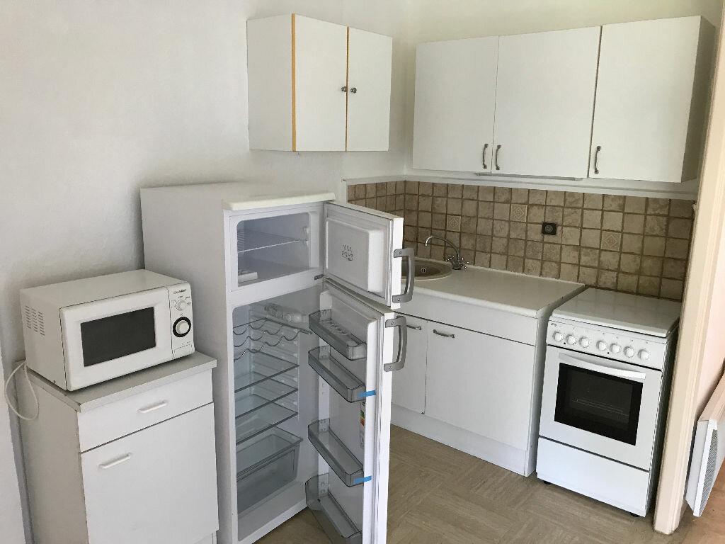 Appartement à louer 1 27.09m2 à Villeneuve-Loubet vignette-8