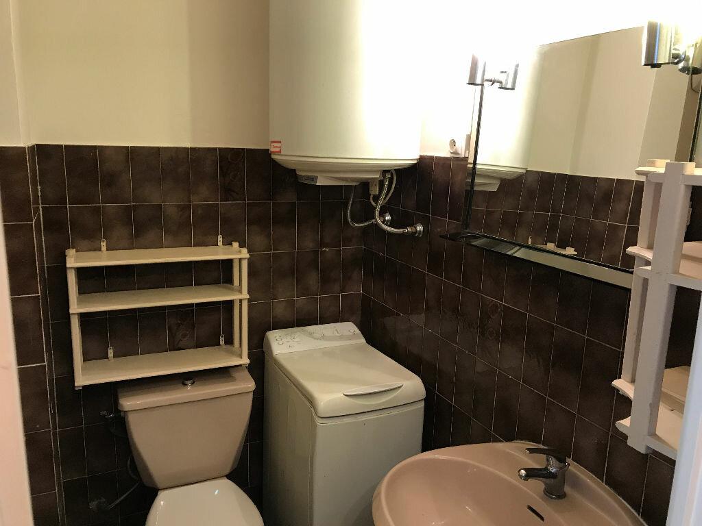Appartement à louer 1 27.09m2 à Villeneuve-Loubet vignette-10