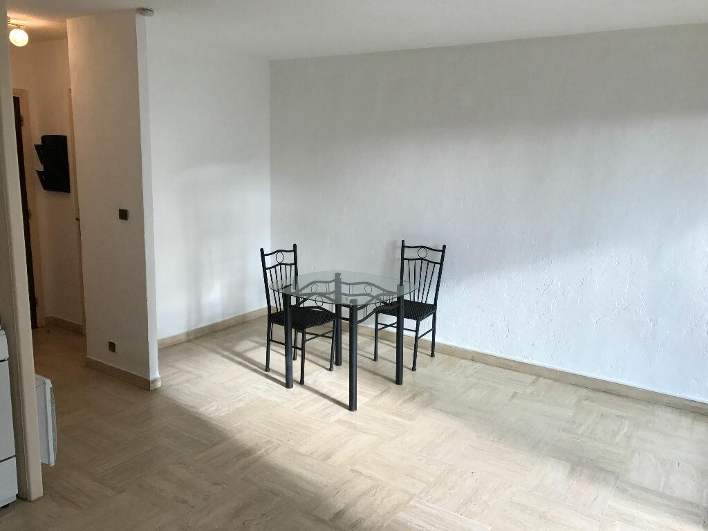 Appartement à louer 1 27.09m2 à Villeneuve-Loubet vignette-14
