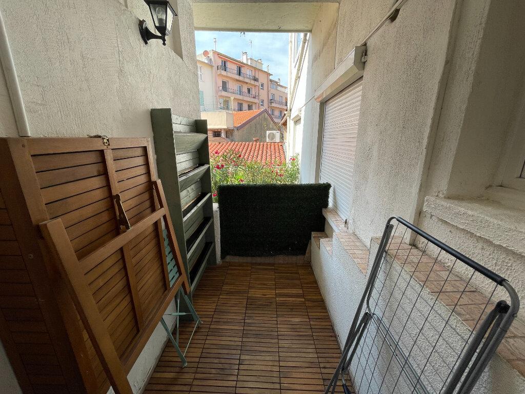Appartement à louer 2 44.07m2 à Antibes vignette-2