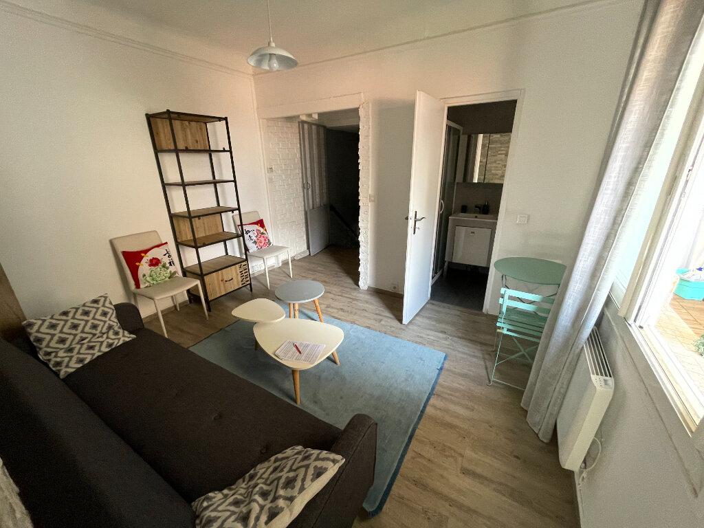 Appartement à louer 2 44.07m2 à Antibes vignette-6