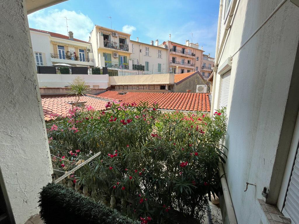 Appartement à louer 2 44.07m2 à Antibes vignette-11