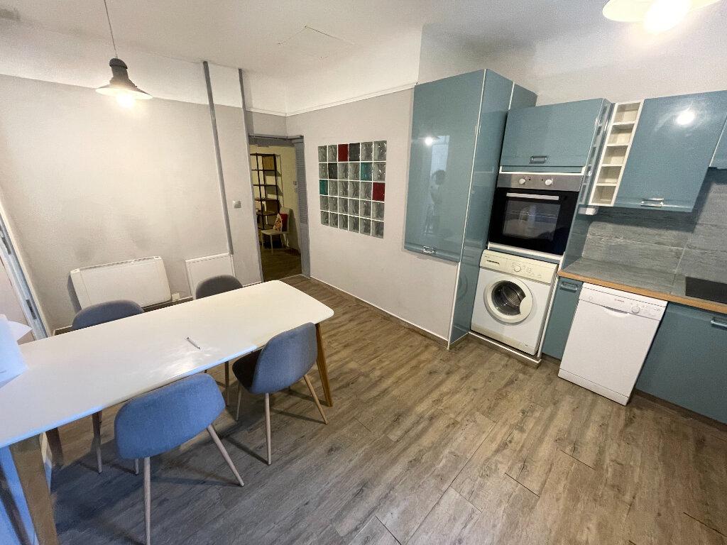 Appartement à louer 2 44.07m2 à Antibes vignette-13