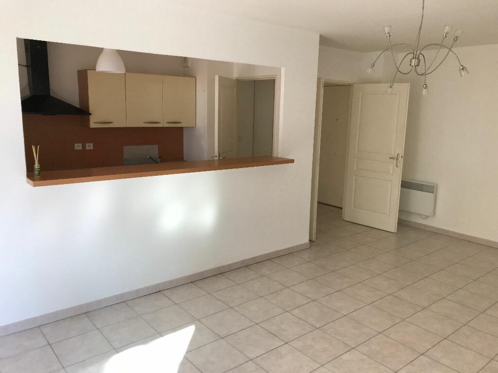 Appartement à louer 3 66.03m2 à Biot vignette-2
