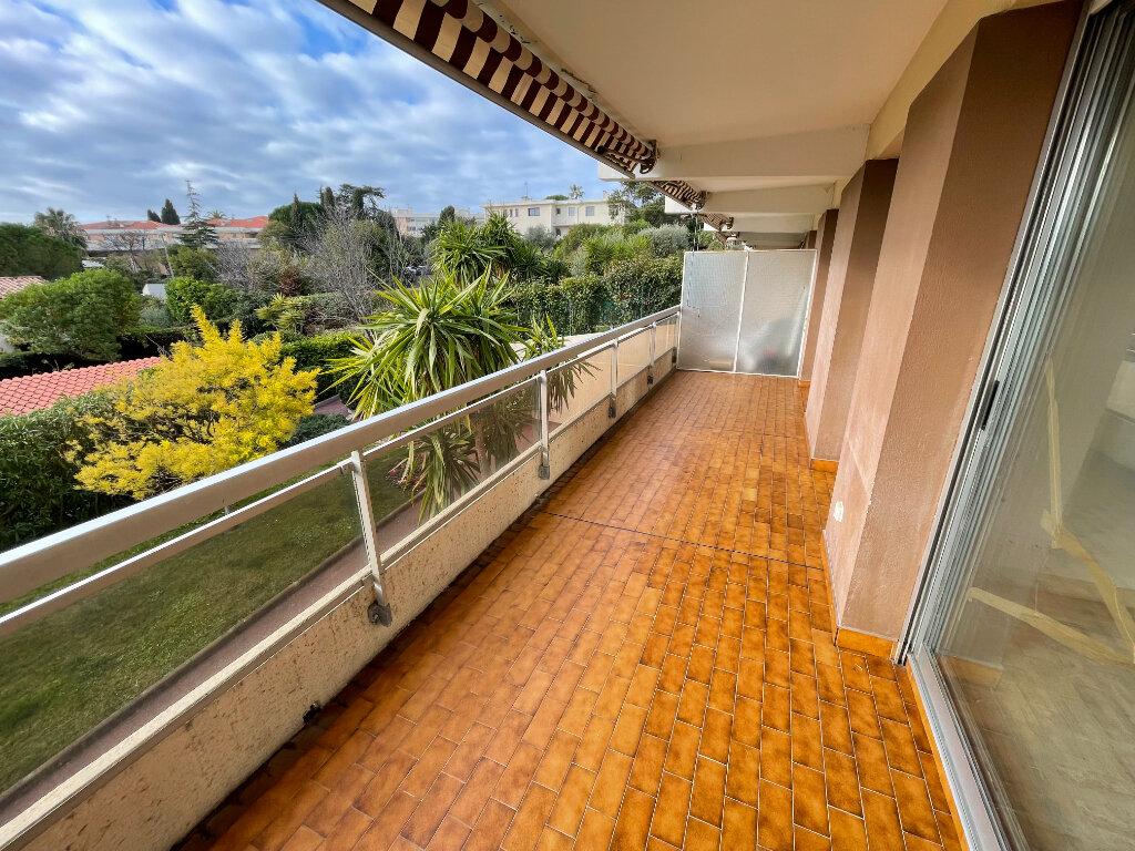 Appartement à louer 2 46.3m2 à Antibes vignette-1
