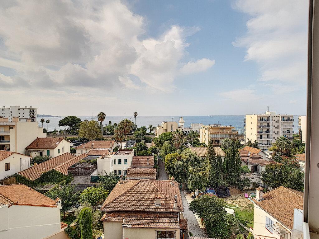 Appartement à vendre 3 59.89m2 à Antibes vignette-1