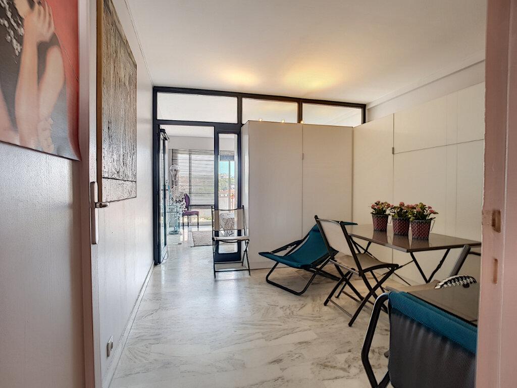 Appartement à vendre 3 59.89m2 à Antibes vignette-5