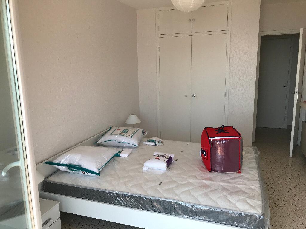 Appartement à louer 2 50.67m2 à Juan-les-Pins - Antibes vignette-3