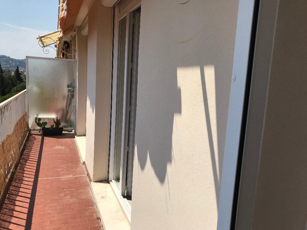 Appartement à louer 2 50.67m2 à Juan-les-Pins - Antibes vignette-9