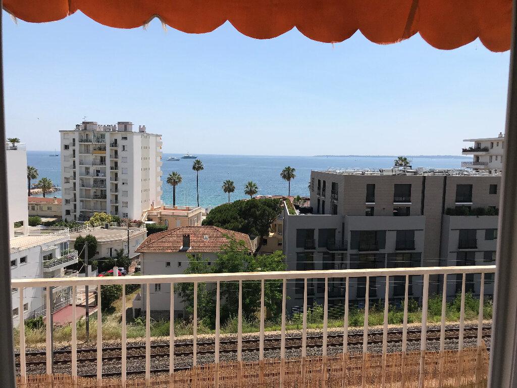 Appartement à louer 2 50.67m2 à Juan-les-Pins - Antibes vignette-13