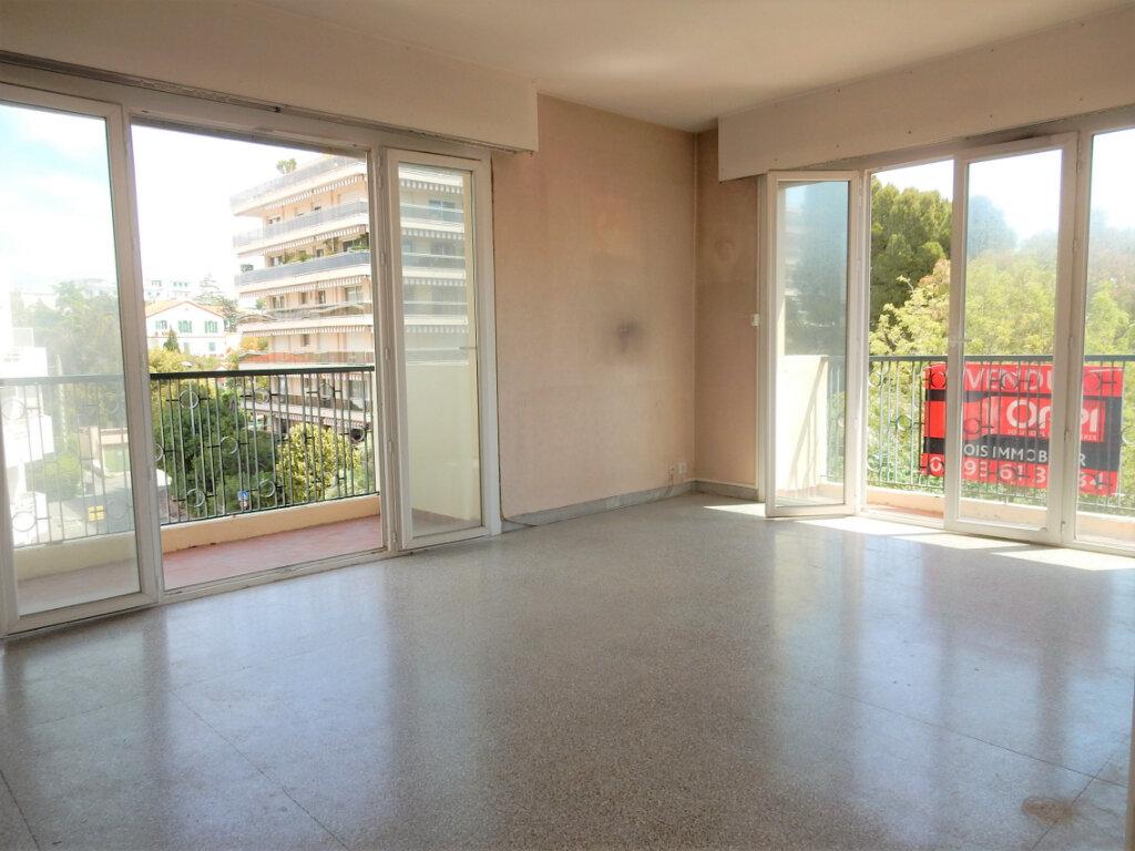 Appartement à vendre 2 46m2 à Juan-les-Pins - Antibes vignette-1