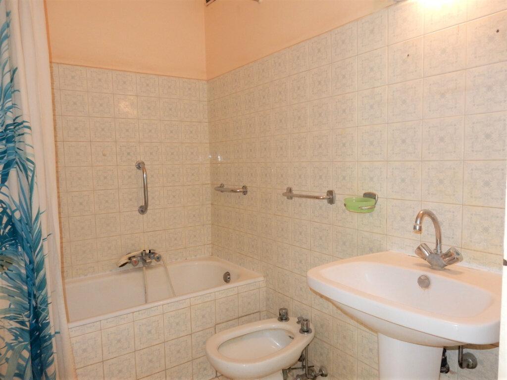 Appartement à vendre 2 46m2 à Juan-les-Pins - Antibes vignette-2