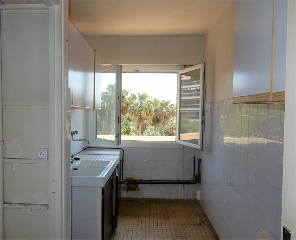 Appartement à vendre 2 46m2 à Juan-les-Pins - Antibes vignette-3