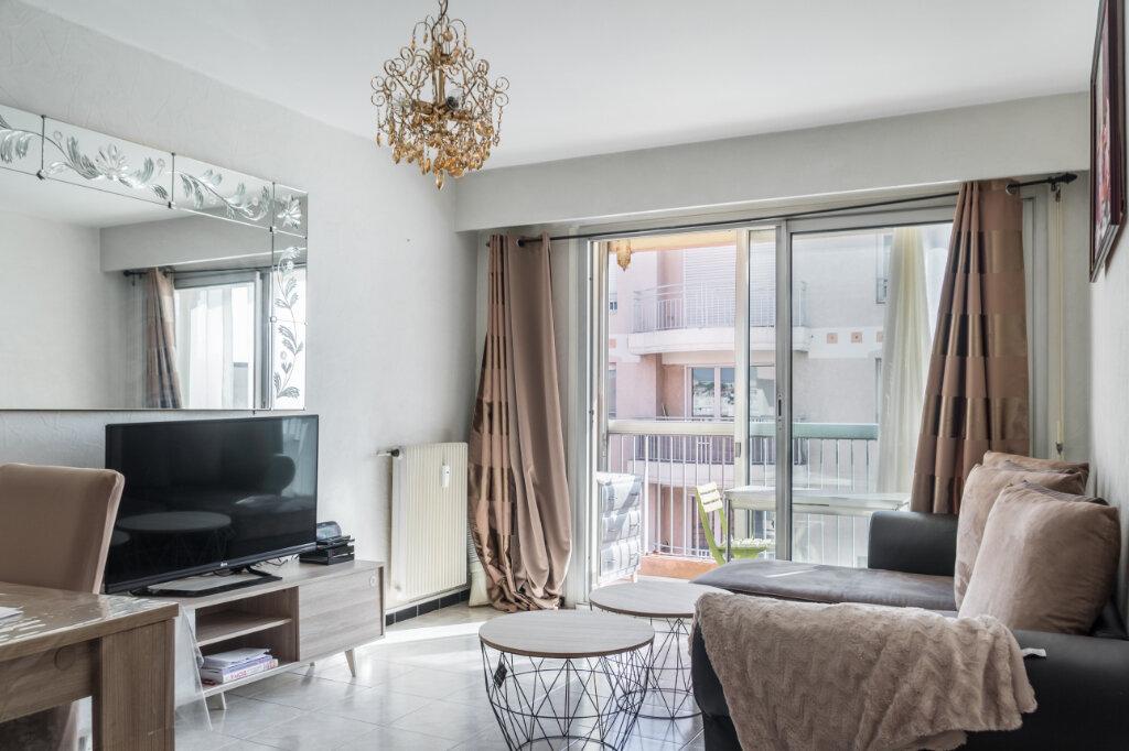 Appartement à vendre 2 43.64m2 à Antibes vignette-2
