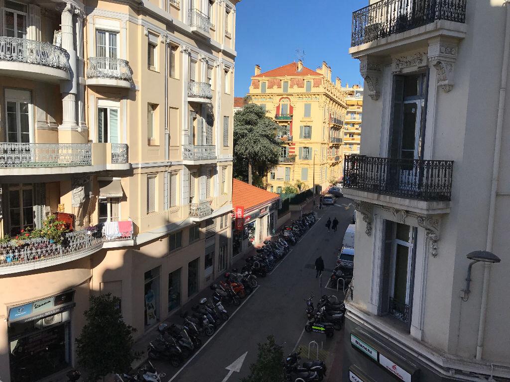 Appartement à vendre 3 67m2 à Cannes vignette-15