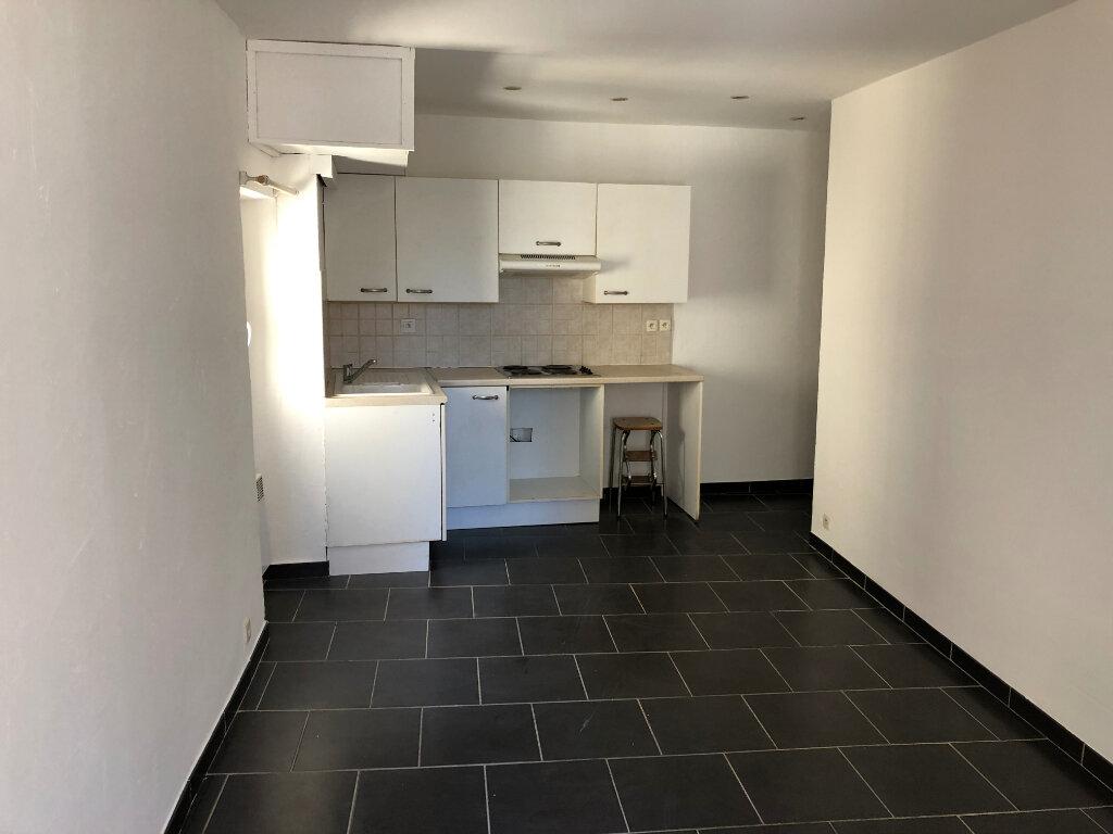 Appartement à louer 2 30.75m2 à Antibes vignette-2