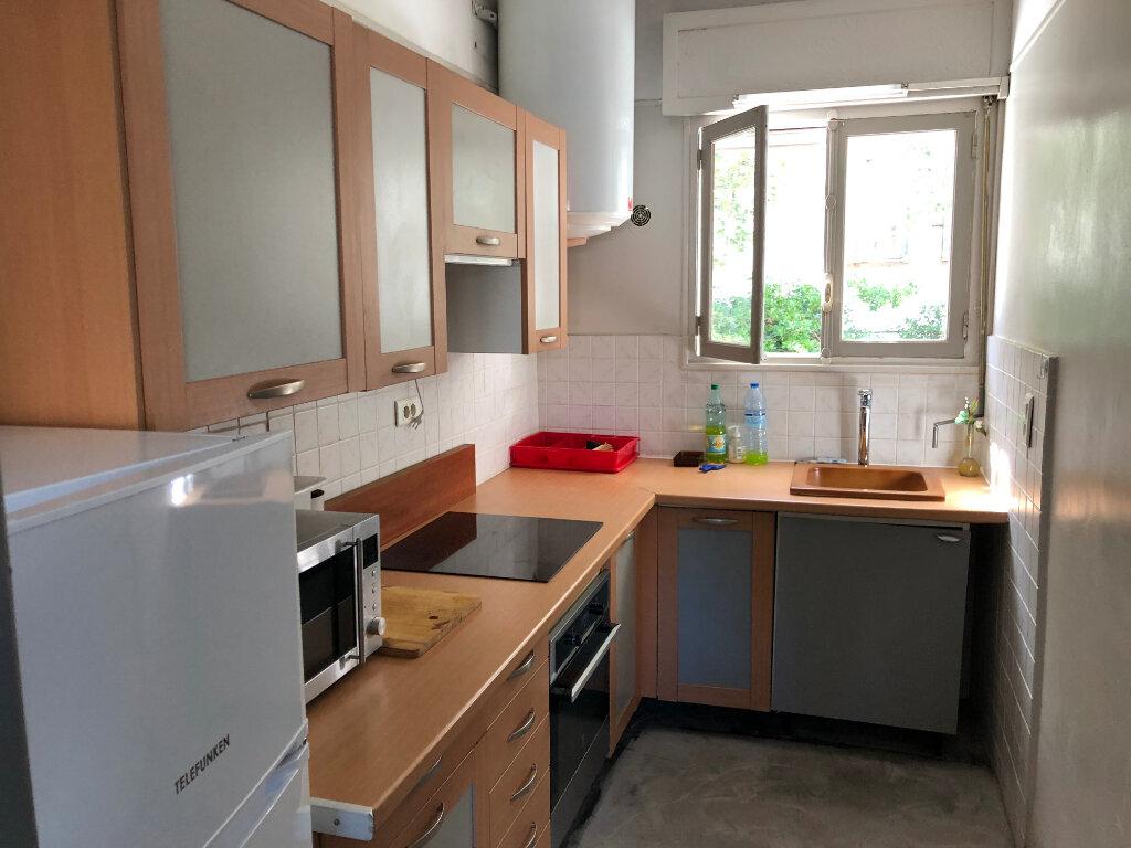 Appartement à louer 2 44.95m2 à Juan-les-Pins - Antibes vignette-4