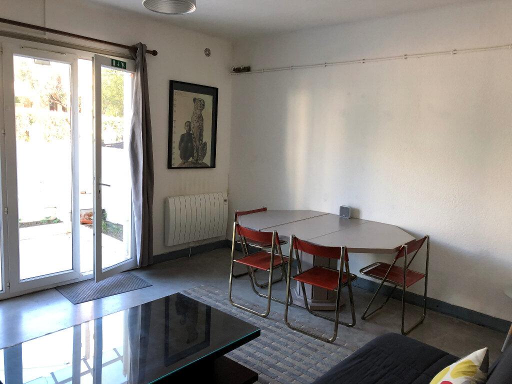 Appartement à louer 2 44.95m2 à Juan-les-Pins - Antibes vignette-12