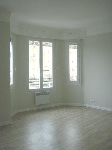Appartement à louer 2 40m2 à Le Cannet vignette-2