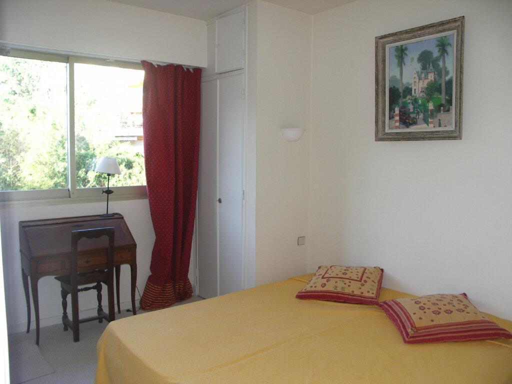 Appartement à louer 3 84m2 à Antibes vignette-8