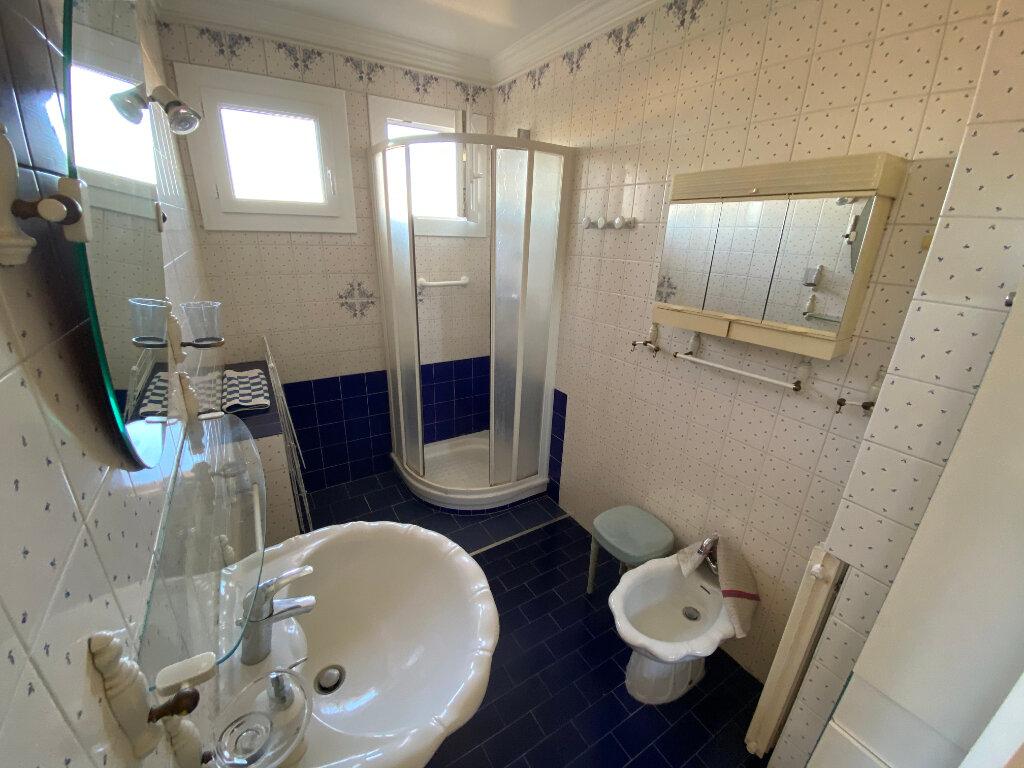Appartement à louer 3 65m2 à Antibes vignette-4